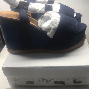 New See by Chloe Platform Clogs/Heels Navy Blue 9